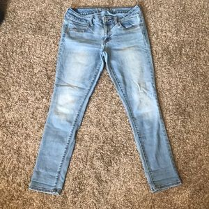 American Eagle Outfitter Light Washed Jeans